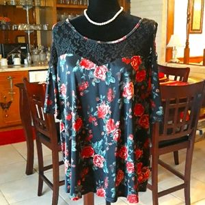 Cold shoulder PUG Red Rose Print with Black Lace